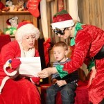 22/11/14 Corey Sinnott visiting Mrs Santa and the elves at the nw 'Santa's Wonderland Experience' in the Dunbrody Centre on Saturday last. Photo; Mary Browne
